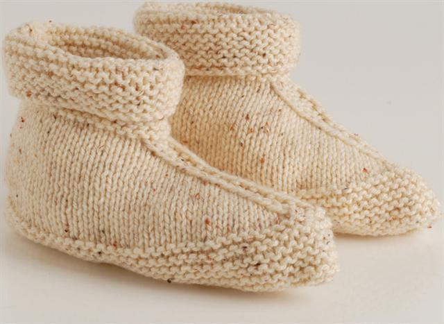 Knitting Pattern For Long Slippers : Knit slippers in one piece Vrouekeur