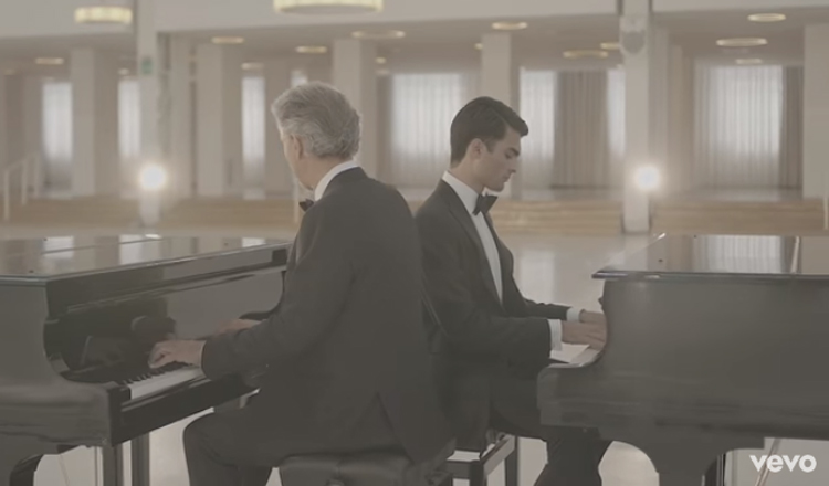 VIDEO: Luister hoe sing Andrea Bocelli en sy seun, Matteo Bocelli
