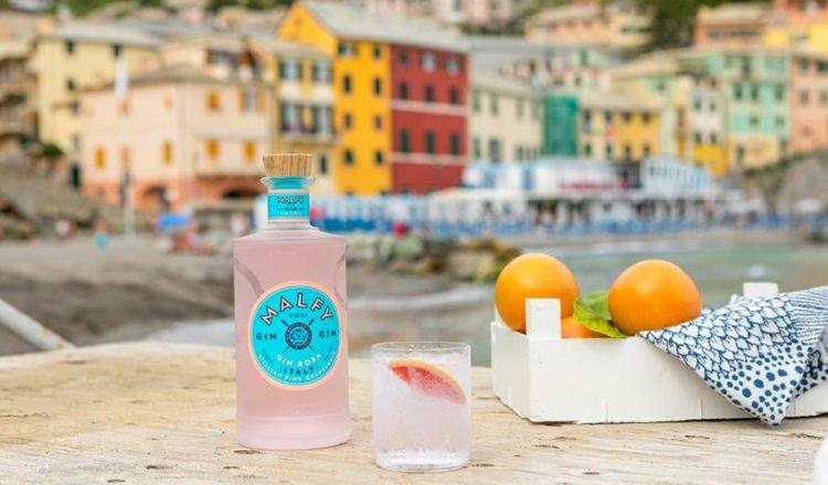 WEN: 1 van 2 bottels Malfy Gin Rosa